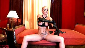 Latex High Definition sex Movies Sexy looking blonde is getting dressed to luxury in say no to latex outfit