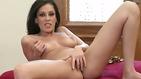 HD Nikki Brooks tube Nikki Brooks playing with vibrator
