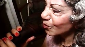 Free Plumber HD porn Granny Gigi gives her saggy pansy up to the hunky negro plumber